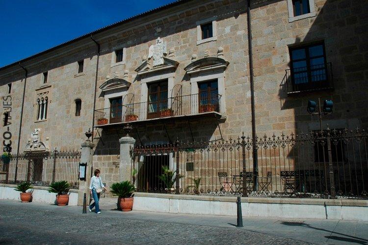 M rida palace dos palacios y un destino alojamientos - Alojamiento rural merida ...